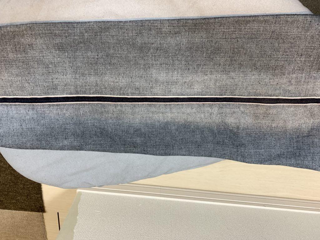 リーバイス 501xx 1947 リジッド 糊落とし アイロン後の赤耳が広がった画像